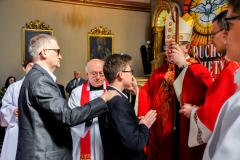 28 namaszczenie krzyżmem przez ks. Biskupa
