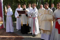 91 Ewangelię śpiewa ks. Andrzej Telus