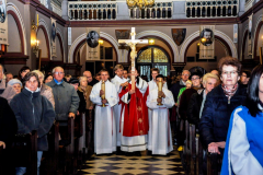 55 wniesienie krzyża
