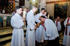 57 adoracja krzyża
