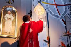 63 umieszczenie Najśw. Sakramentu w Grobie Pańskim