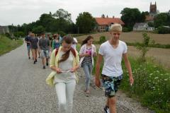 13 w drodze na Drogę krzyżową w Bysławku