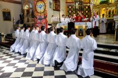 31 ks. bp Damian błogosławi nowych lektorów