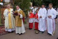 07---przy I ołtarzu  Ewangelię śpiewa Diakon